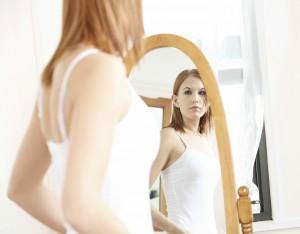 Girl-Looking-Mirror