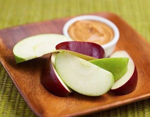 avoid-holiday-weight-gain-apples-and-peanut-butter-320