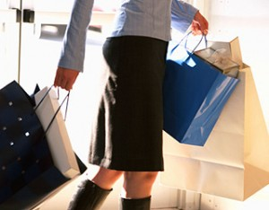avoid-holiday-weight-gain-woman-carrying-shopping-bags-320