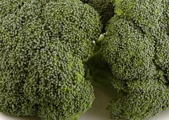 Broccoli 588 grams = 200 Calories
