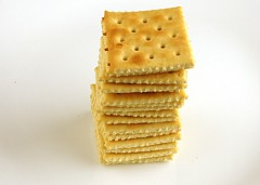 Salted Saltines Crackers 50 grams = 200 Calories