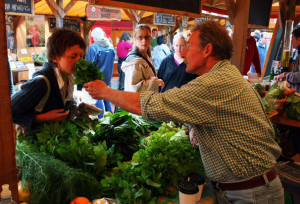 Farmers+Markets+Selling+Local+Produce+Continue+p2bG1s7ARlXl