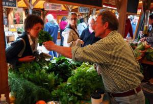 Farmers+Markets+Selling+Local+Produce+Continue+p2bG1s7ARlXl
