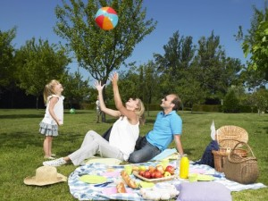 keep-bugs-away-at-your-next-family-picnic